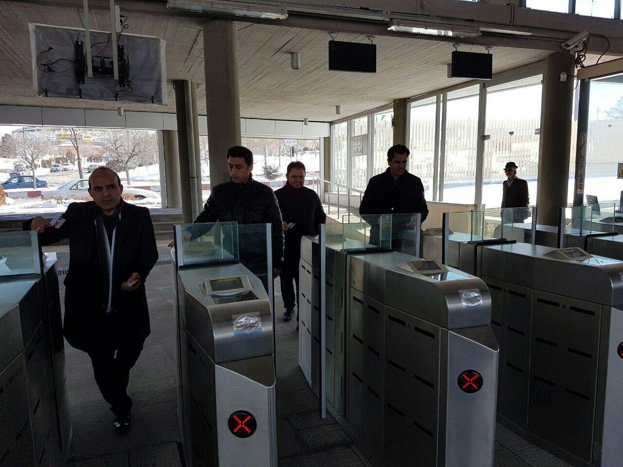 تجهيز قطار شهري تبريز به کارت شهروندي